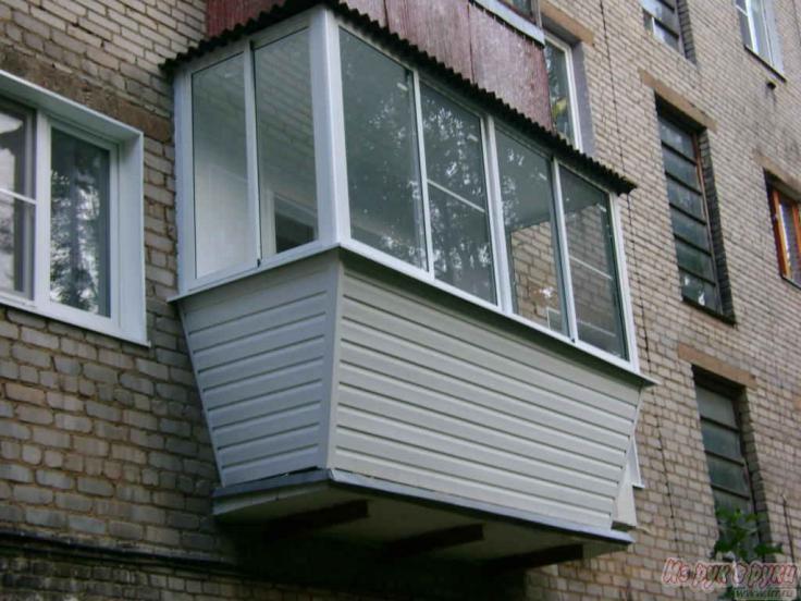 Остекление балкона с выносом в москве..