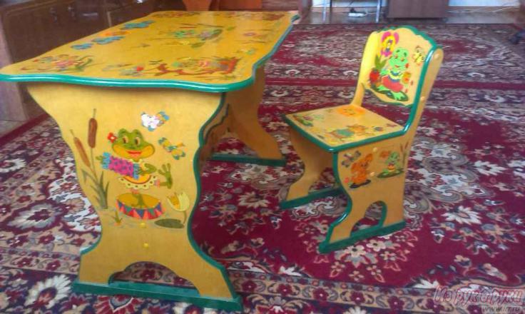 Как раскрасить детский столик своими руками 97